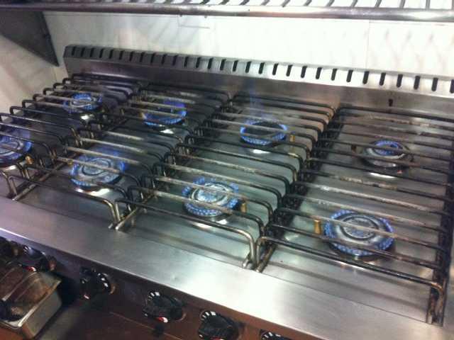 Instalación y cambio de quemadores de cocinas industriales